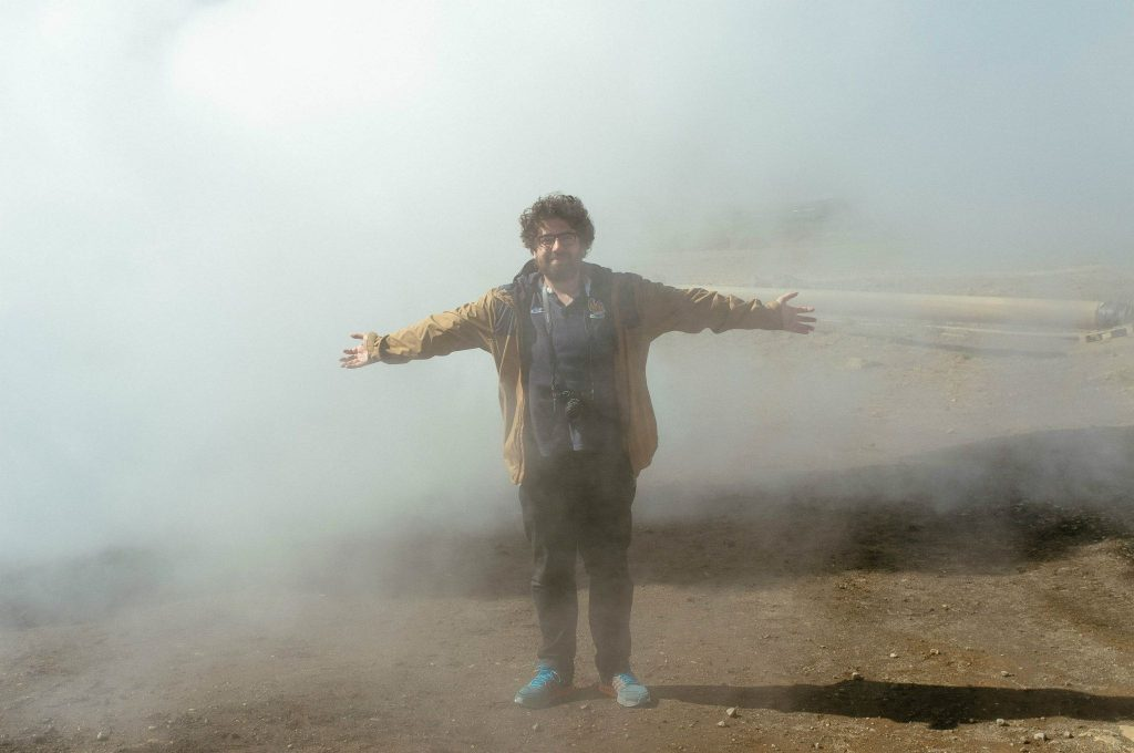 Homme heureux dans nuage de prout