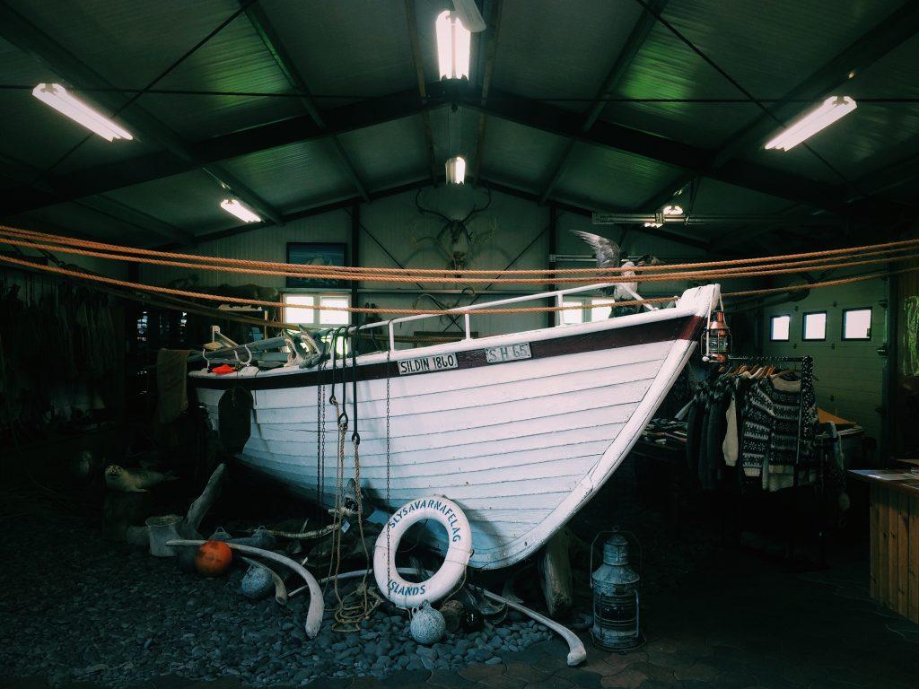 Le bateau de son père qui partait en mer 6 mois là dessus !