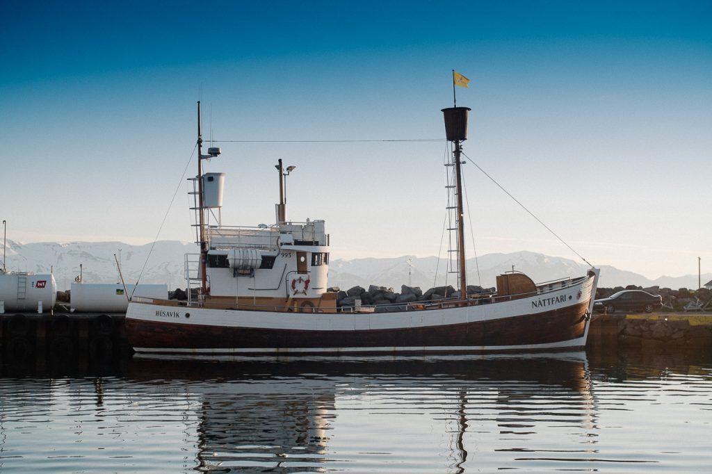 Húsavík, le petit port du nord où il ne fait jamais nuit.